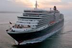 Queen Elizabeth macht Stopp in Ponta Delgada