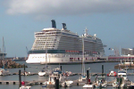 Celebrity Solstice und Celebrity Equinox in Ponta Delgada
